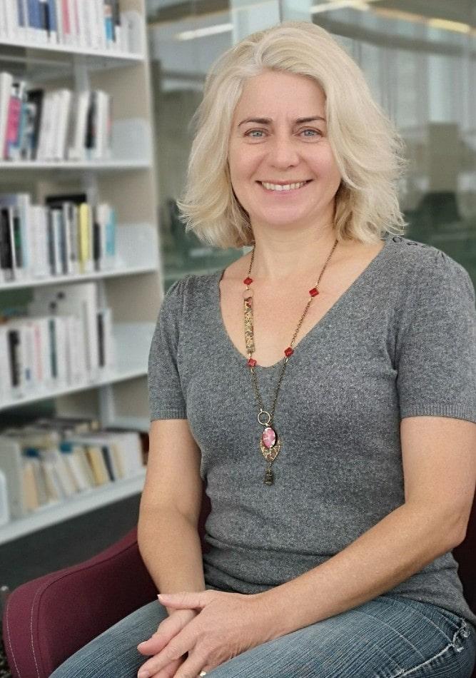 Portrait de Florence, rédac en chef du magazine Zenflo. Elle partage son édito pour l'édition automne 2020. La thématique: bien-être et éducation.