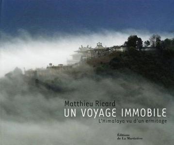 couverture du livre un voyage immobile