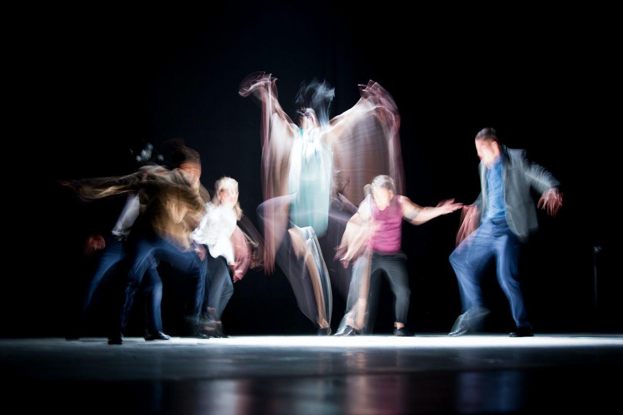 Atelier de danse-thérapie sur scène